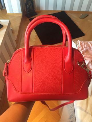 rüyada kırmızı çanta görmek